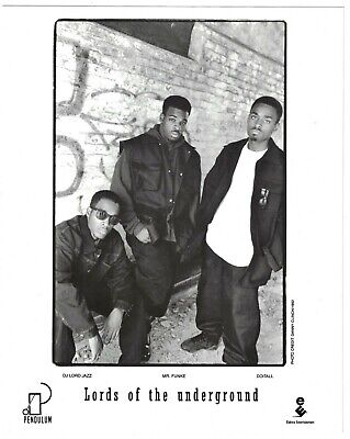 """1992 Lords Of The Underground Rap Group 8"""" X 10"""" Press Photo"""