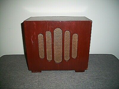 Antique Circa 1920-1930 Art Deco Oak Cased Free-Standing Speaker (Furniture)