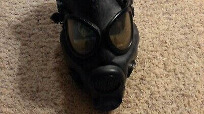 Vintage US Military MSA 2E51 USM Black Chemical Biological Gas Mask