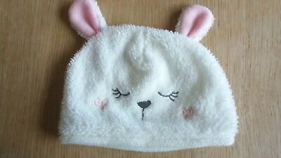 Fluffy White Hat….up to 3 months