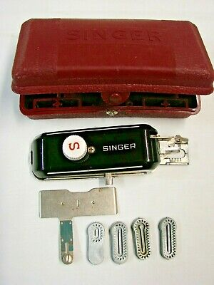 Vintage Singer Buttonholer #160743 In Box With Templates