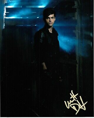 Matthew Daddario Signed Shadowhunters Photo Uacc Reg 242 (1)