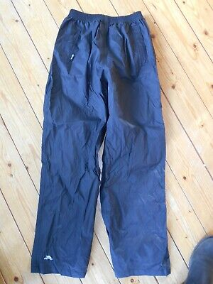 Trespass black waterproof over trousers - age 11/12 years