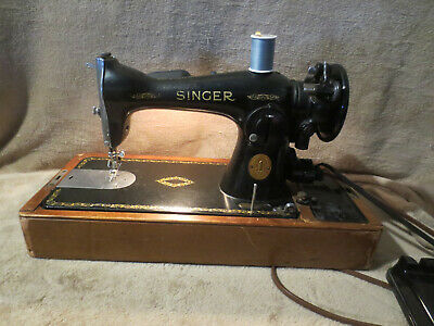 Singer 15-91 Heavy Duty Sewing Machine with wooden domed case AJ484098 Very Nice