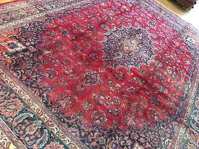 A SENSATIONAL OLD HANDMADE TRADITIONAL ORIENTAL CARPET (403 x 295 cm)