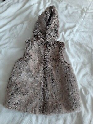 Girls Faux Fur Hooded Soft Gilet Top Jacket age 5-6