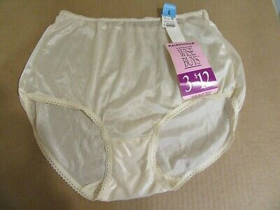 NWT Maidenform Wise Buys  Full Cut Brief Panties Style 40675  Size 7 Peachy