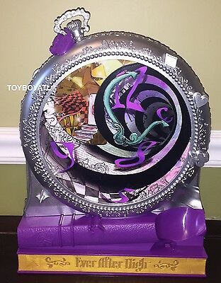 Ever After High Way Too Wonderland Raven Queen Doll 3 Foot Playset Furniture NEW