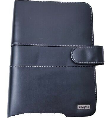 "Franklin Covey Day One Planner Binder Organizer Med-Size Black 7 ring (7""x 10"")"