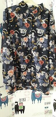 ladies blouse size 22  ms beautiful  pattern  navy  long or  roll up sleeves