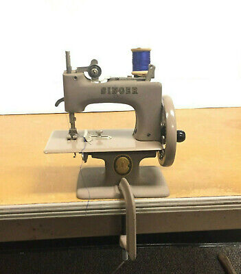 Singer Sewhandy, Vintage, Sewing Machine, With Box