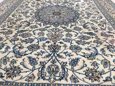 A SENSATIONAL OLD HANDMADE TRADITIONAL ORIENTAL RUG (334 x 242 cm)