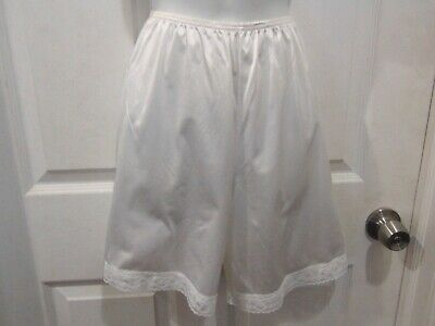 VANITY Fair 100% Nylon White Pettipants Bloomers Size S/CH 18 Style 12-778