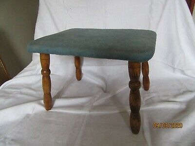 Vintage 4 Legged Stool with 4 wooden bobbin turned legs - good condition