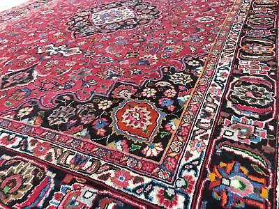 A FANTASTIC OLD HANDMADE TRADITIONAL ORIENTAL CARPET (375 x 295 cm)