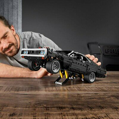 LEGO TECHNIC 42111  Lego Dom's Dodge Charger