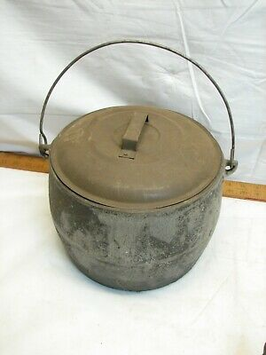Erie Flat Bottom 6 Quart Cast Iron Gypsy Kettle Bean Pot w/Tin Lid Decor Only