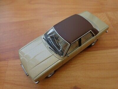 1/43 Corgi Vanguards Va11907 Ford Cortina Mk4 2.0 Ghia Oyster Gold Car Used