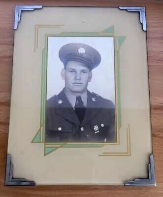 VINTAGE ART DECO REVERSE PAINTED GLASS With Military Photo. Frame 6x8