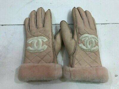 CHANEL Pink Quilted Suede Shearling Lined CC Gloves Size 7.5 - M