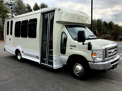 Reconditioned Non-CDL Wheelchair Shuttle Bus With Only 6k Miles 5.4L Gas Engine