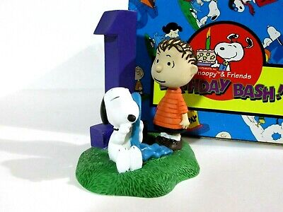 Snoopy Peanuts Charlie Brown Flambro Birthday Bash Figure Figurine 1997