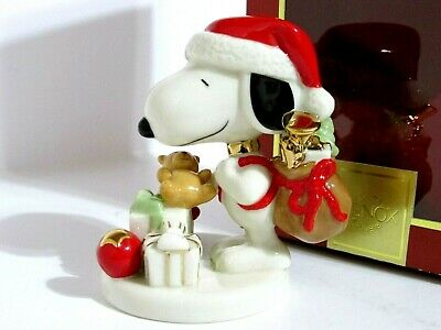 Snoopy Peanuts Charlie Brown Lenox Fine Ivory China Christmas Figurine 2008