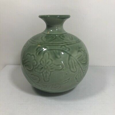 "Vintage Chinese Celadon Green Incised Floral Small Porcelain Vase 5.5"" Tall"