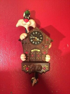 looney tunes clock tweety bird