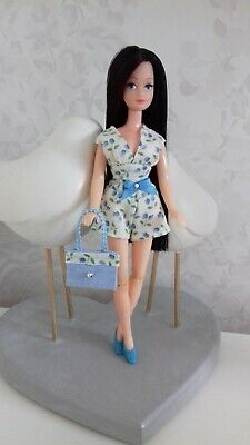 Shorts oufit to fit 1970's Palitoy Pippa/Dawn doll - OUTFIT ONLY