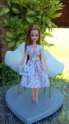 Skirt and top oufit to fit 1970's Palitoy Pippa/Dawn doll - OUTFIT ONLY