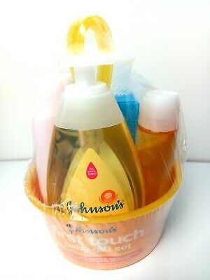 Johnson's First Touch Baby Gift Set Destin, Shampoo,Lotion And Wash Shampoo