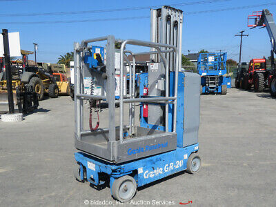 2013 Genie GR-20 20' Electric Vertical Mast Lift Personnel Man Aerial bidadoo