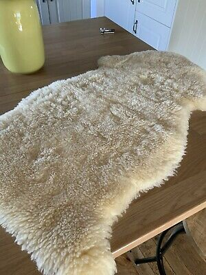 Baby BOWRON Sheepskins Mat For Your Little One Comforter Good Condition
