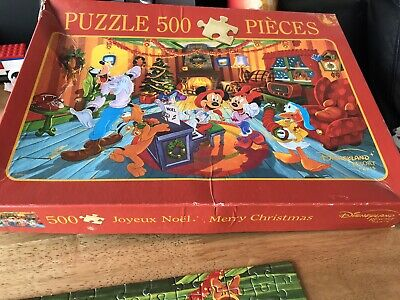 Disneyland Puzzle.Merry Christmas. 500 Pieces. Slight Damage. Completed.