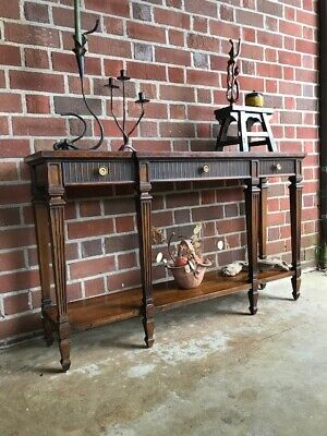 Fine Vintage Console Table by Heritage Furniture