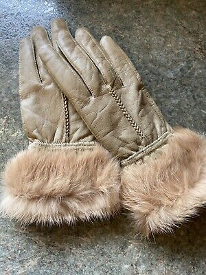 Gloves 1 Pair Vtg Ladies Tan Leather With Fur Cuffs ! Size Med ! Elegant
