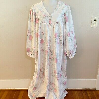 Vintage Aria Womens Size M 42x 52 White Floral Long Sleeve Robe