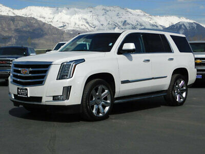 2017 Cadillac Escalade 4WD 4dr Luxury CADILLAC ESCALADE 4X4 NAVIGATION DVD SUNROOF REVERSE CAMERA LOW MILES AUTO TOW