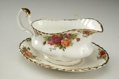 """Royal Albert """"Old Country Roses"""" Gravy Sauce Boat with Under Plate Saucer."""