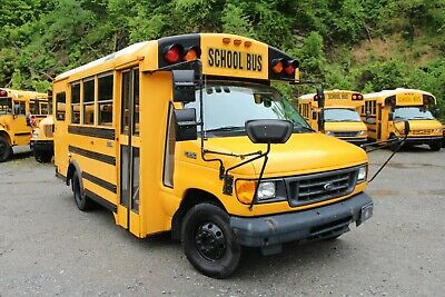 2005 Ford Wheelchair School Bus With A/C E350 Diesel Engine