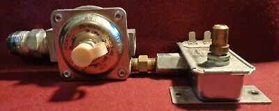 Whirlpool Gas Stove SP325PEEO Safety Valve/Pressure Regulator 3196544 Used