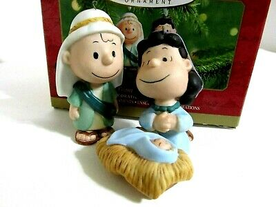 Snoopy Peanuts Charlie Brown Hallmark Christmas Porcelain Ornament Lucy 2001