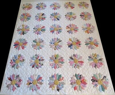 Vintage 1970's Hand Stitched Feed Sack Dresden Plate Daisy Quilt 87x71