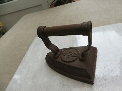 Antique 4 700 K   flat iron  cast iron  Doorstop? Decorators