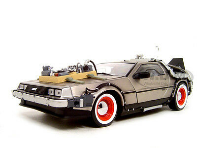 Box Damaged BACK TO THE FUTURE III 3 DELOREAN 1:18 DIECAST MODEL BY SUNSTAR 2712