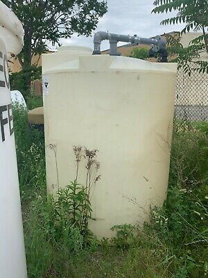 Poly holding tank 1000 gallons closed top/manway