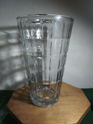 """Vintage Glass Flower Or Rose Vase Syndicate Sales Inc. 8.6"""" tall  Clear"""