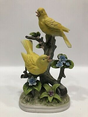 """Royal Crown Robin Yellow 2 Birds Free Stand On Bark Made In Japan 8.5""""Tall"""