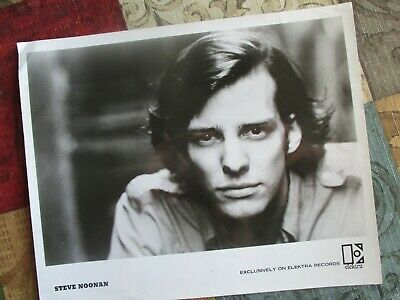 """1960's  Steve Noonan (Singer,Songwriter) Signed """"Young looking"""" Photograph!"""